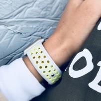 Ремешок спортивный COTEetCI W12 Sport Band (WH5217-TS-YL-42) для Apple Watch 42мм Серебристо-Желтый