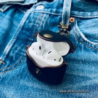 Чехол кожаный COTEetCI (AP7) Leather Case with Hook для AirPods с карабином CS8122-BK Черный