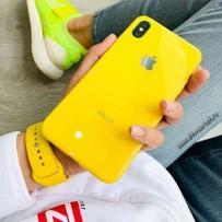 """Комплект: чехол стеклянный """"Закаленное стекло"""" для iPhone XS MAX, желтый + ремешок силиконовый soft-touch для Apple Watch 44мм/ 42мм"""
