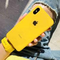 """Комплект: чехол стеклянный """"Закаленное стекло"""" для iPhone XS/ X, желтый + ремешок силиконовый soft-touch для Apple Watch 44мм/ 42мм"""