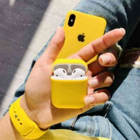 """Комплект: чехол стеклянный """"Закаленное стекло"""" для iPhone XS MAX, желтый + ремешок soft-touch для Apple Watch 44мм/ 42мм + чехол для AirPods 1/2"""